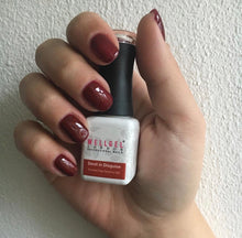 Afbeelding in Gallery-weergave laden, WellGel London Gel Nagellak, Devil in Disguise 10 ml