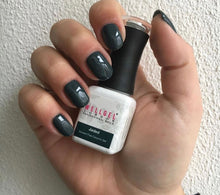 Afbeelding in Gallery-weergave laden, WellGel London Gel Nagellak, Jaded 10 ml