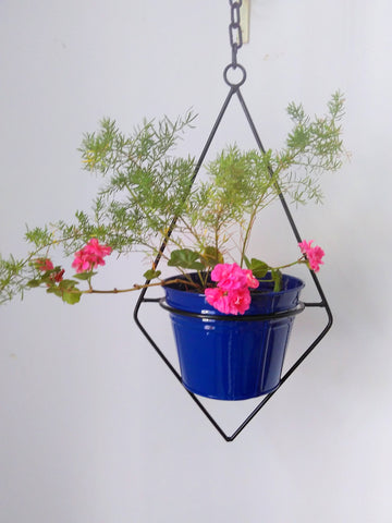 Wrought Iron Triangular Hanging Lamp Planter with Metal Filler Pot