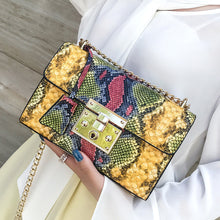 Load image into Gallery viewer, Snake Print Vintage Bag