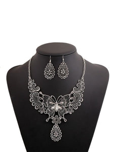 Vintage Ethnic Hollow Pattern Butterfly Clavicle Chain Set