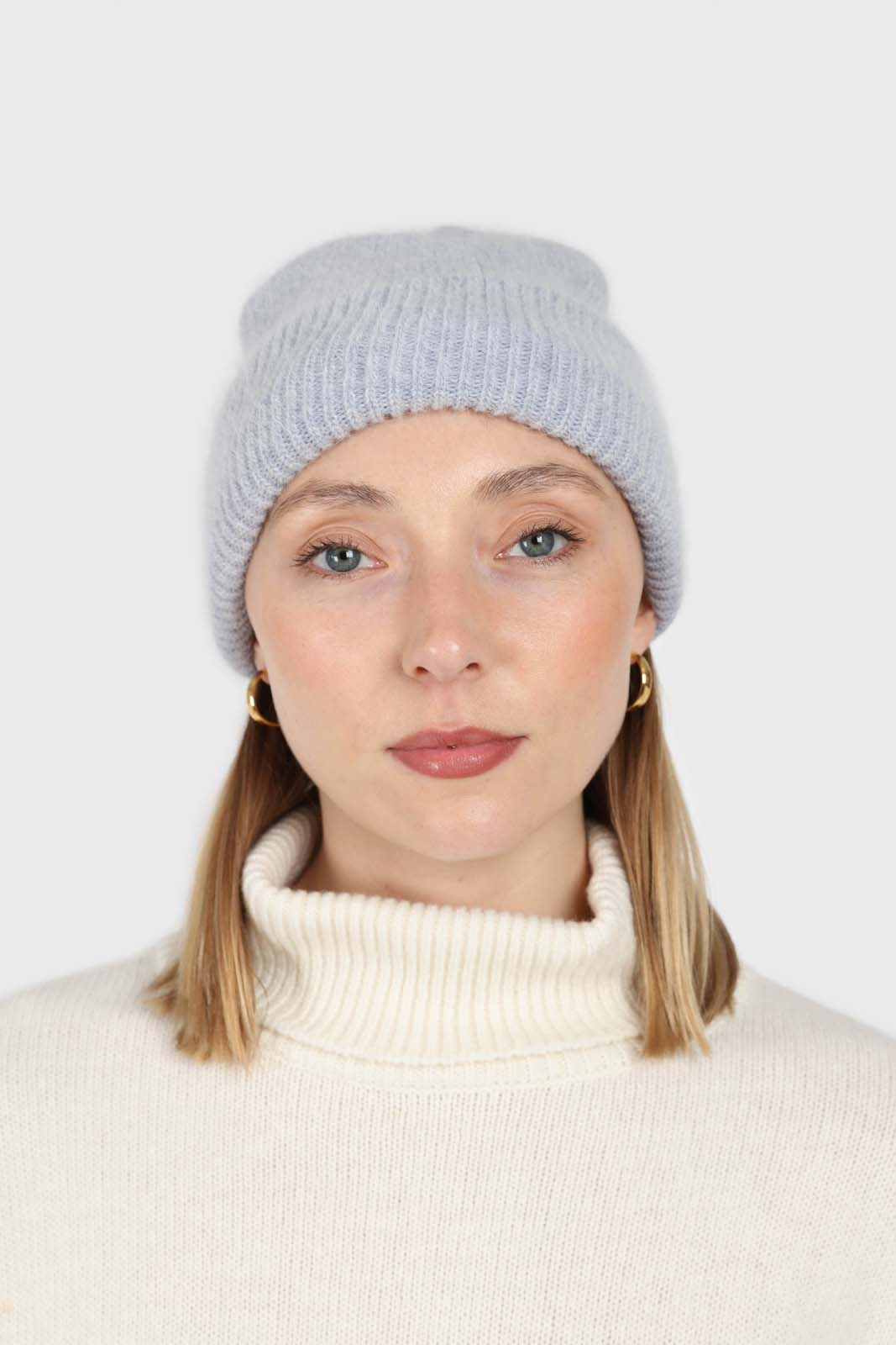 Pale grey mohair beanie hat1