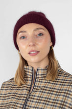 Load image into Gallery viewer, Burgundy mohair beanie hat