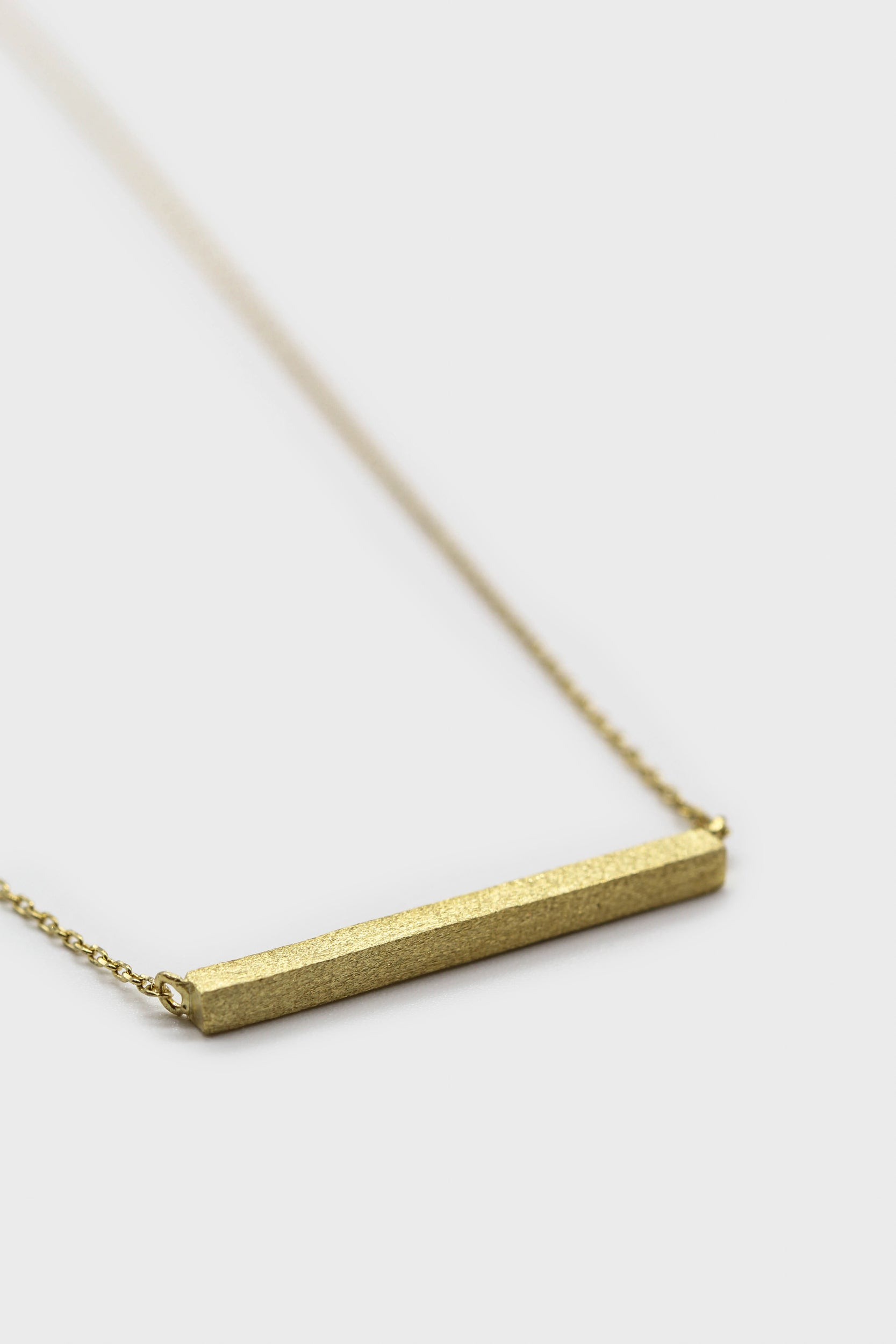 Charm necklace - Gold bar1