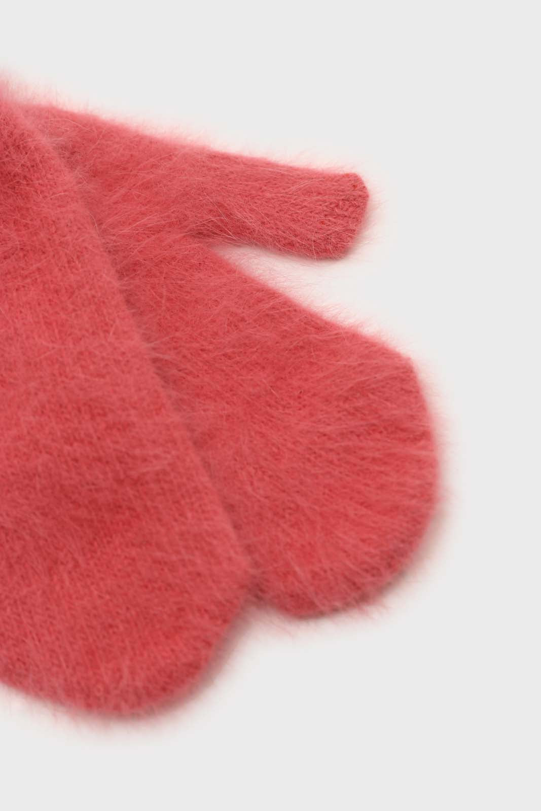 Dusty rose mohair mittens4