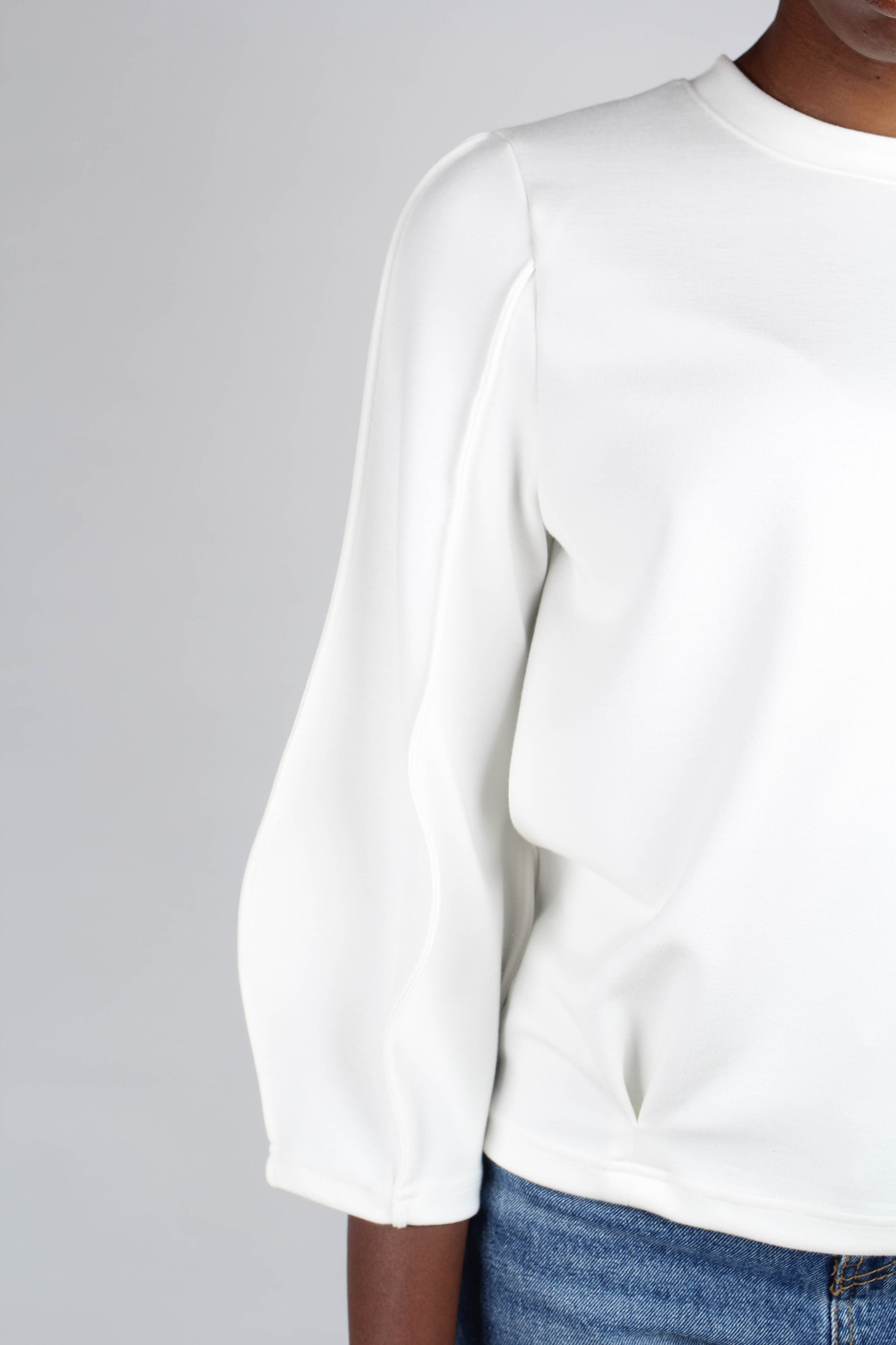 White sharp seamed sleeve top_2