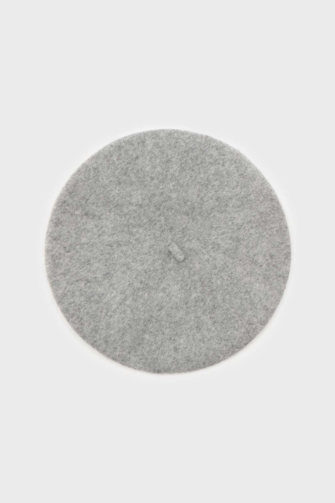 Pale grey wool beret4