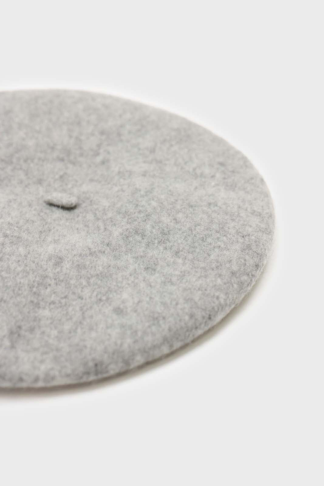 Pale grey wool beret5