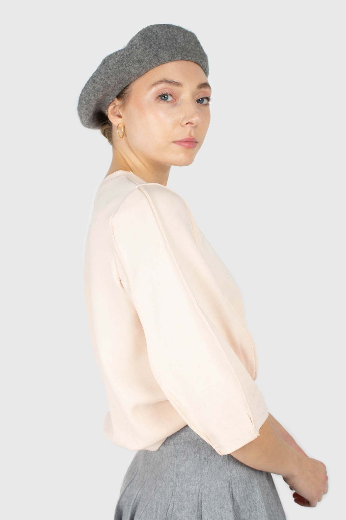 Pale grey wool beret3