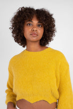 Load image into Gallery viewer, Yellow angora zig zag cropped jumper3