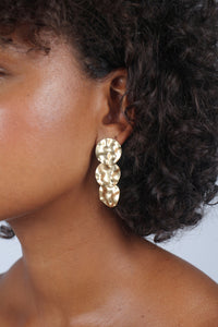 Gold hammered three circle earrings_4