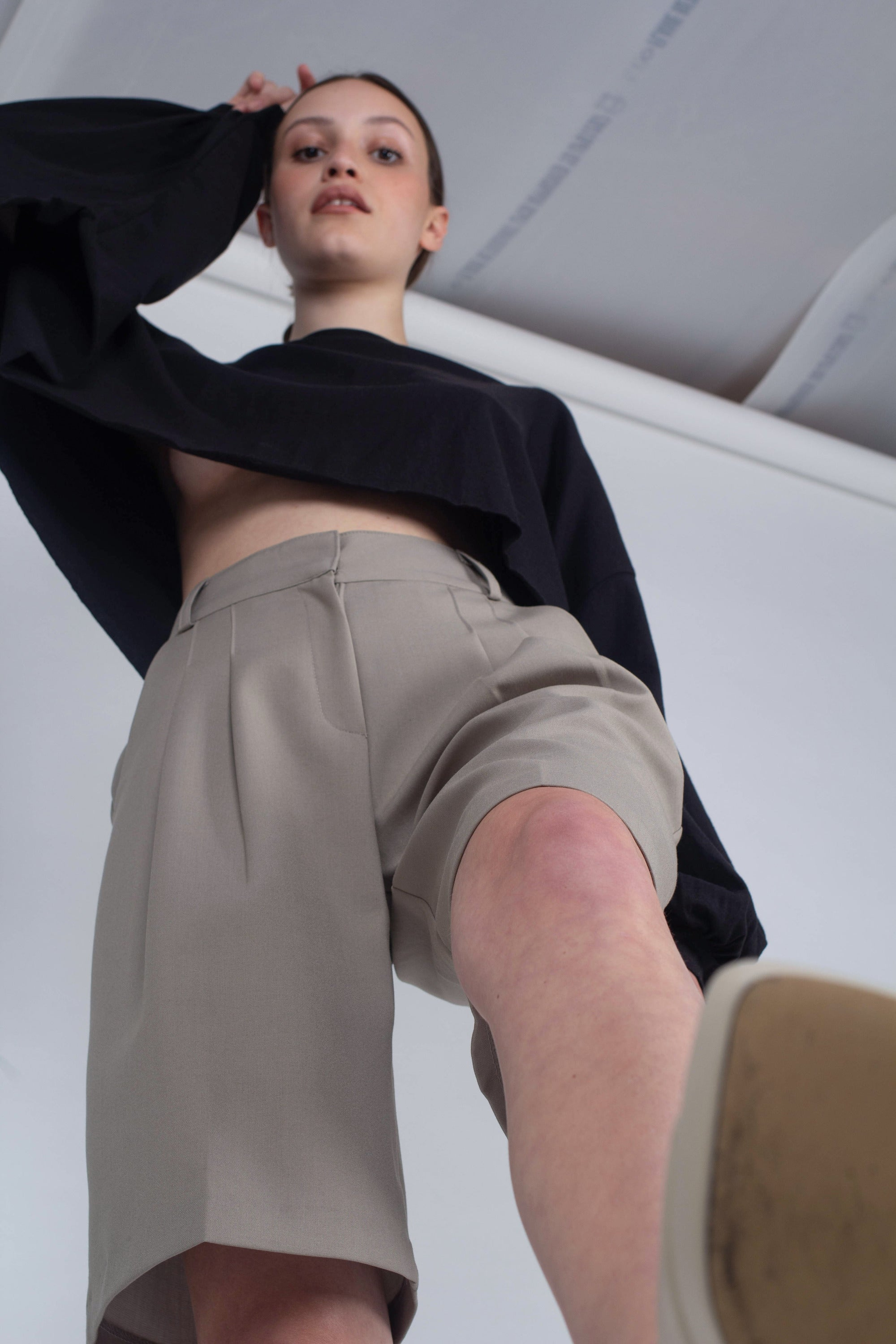 20610_Pale khaki tucked suit shorts_MSTBA1