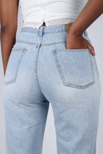 Load image into Gallery viewer, Light blue slit loose fit jeans - 5138_2
