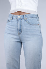 Load image into Gallery viewer, Light blue slit loose fit jeans - 5138_5