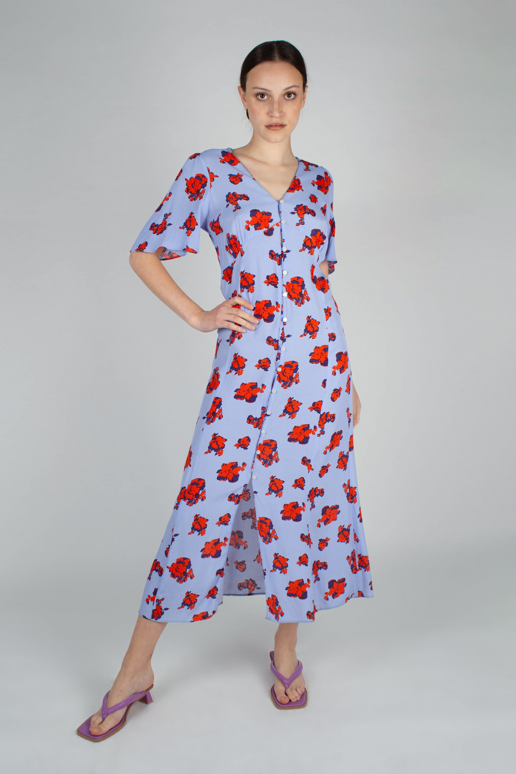 Pale blue and red floral print short sleeved maxi dress_MFFBA1