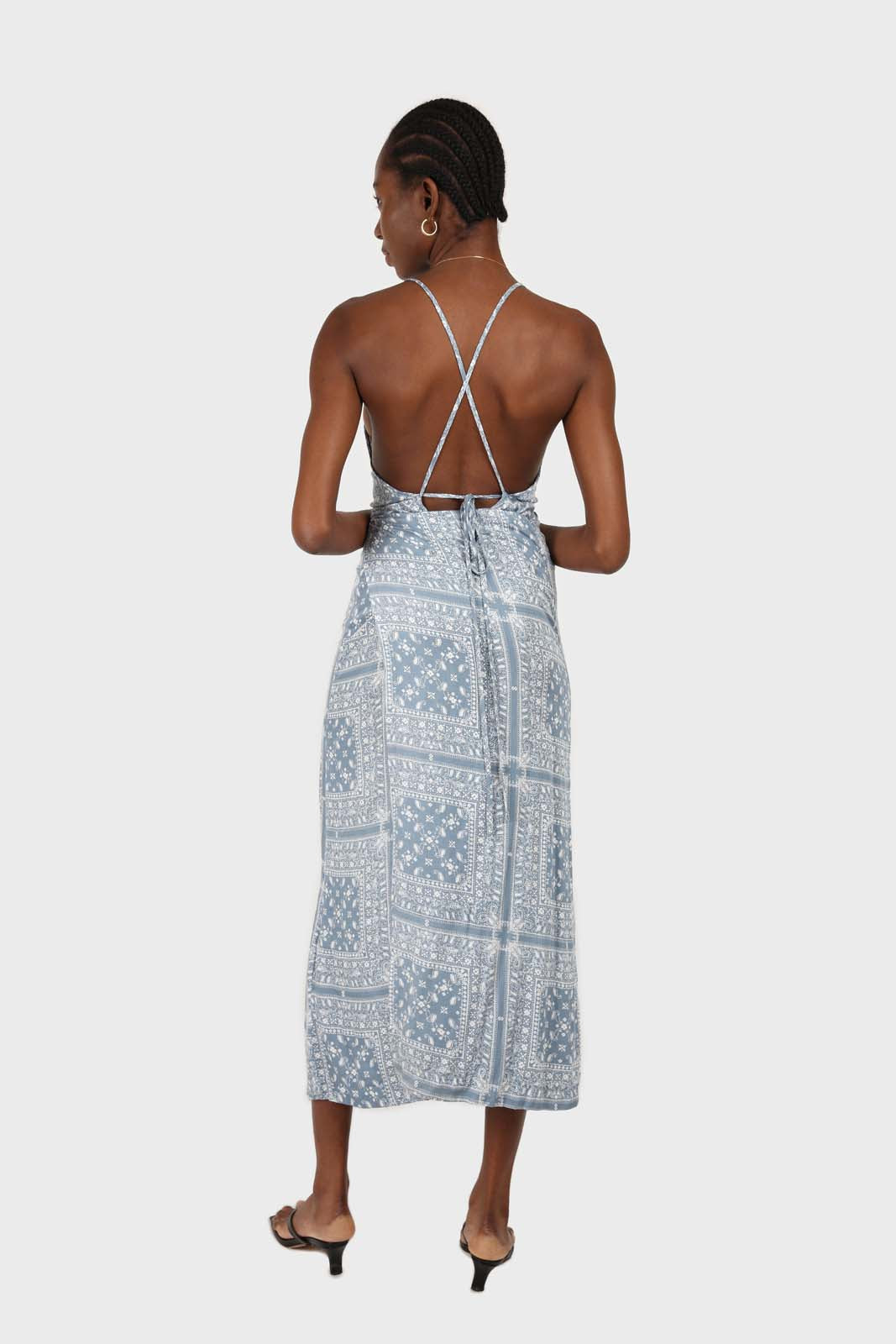 20966_Blue and white graphic print strappy maxi dress 2