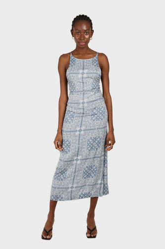 20966_Blue and white graphic print strappy maxi dress sx1