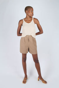 Brown tucked linen wide fit shorts_2