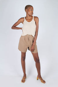 Brown tucked linen wide fit shorts_6