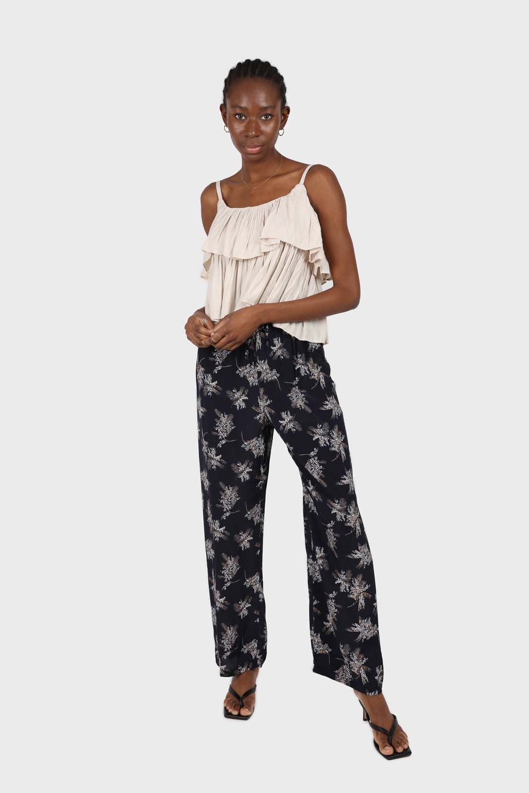 Navy and white floral wide leg trousers1sx