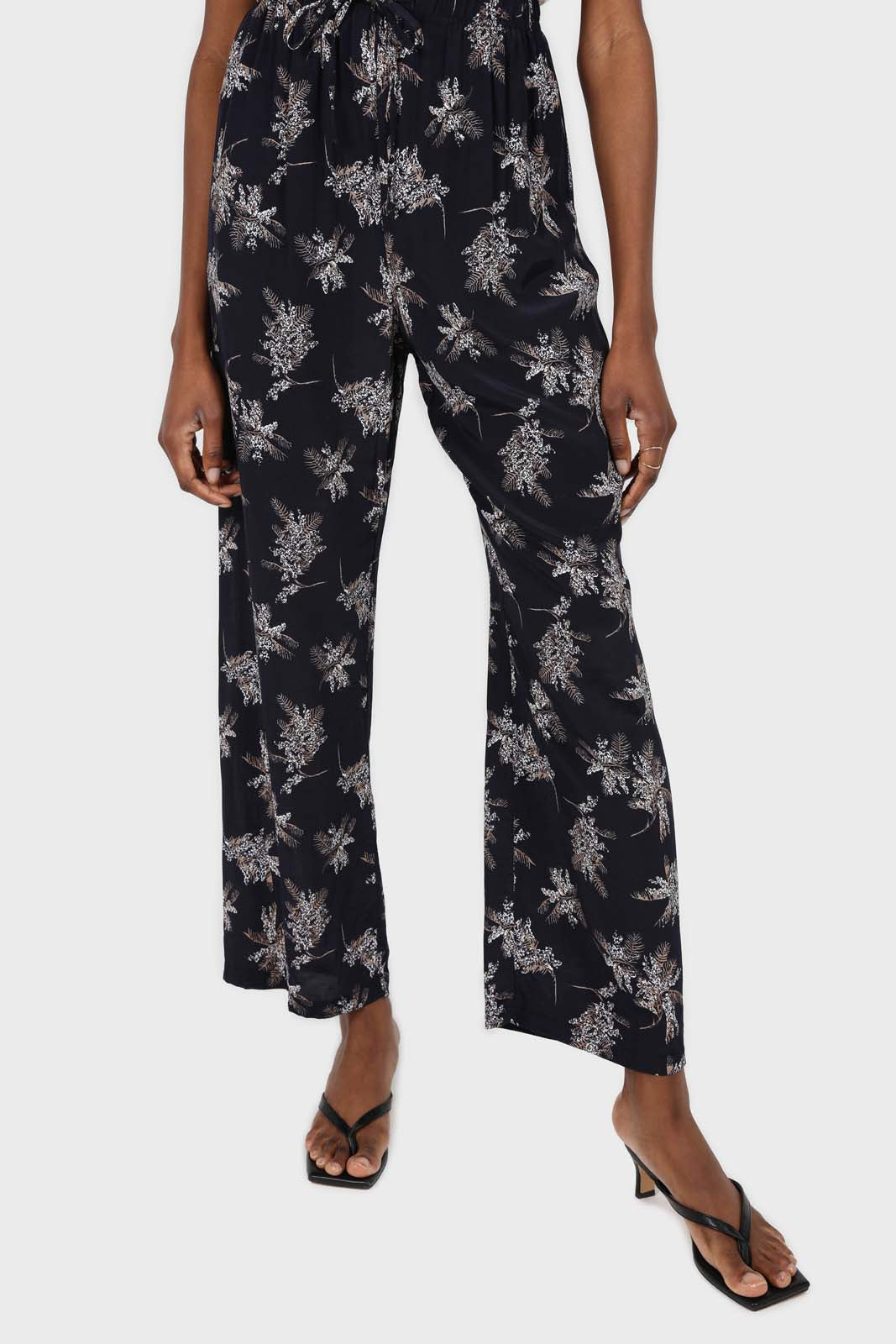 Navy and white floral wide leg trousers3