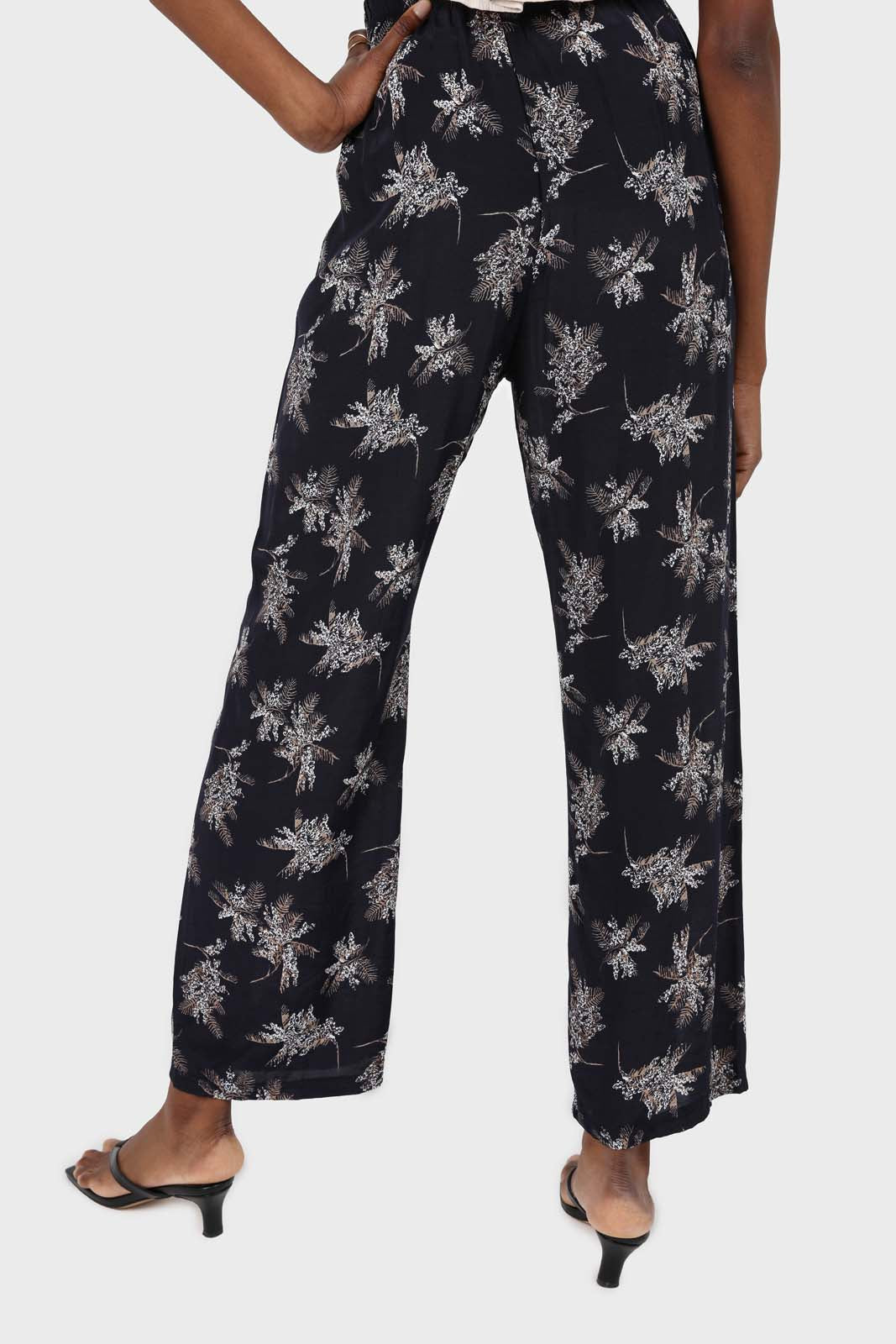 Navy and white floral wide leg trousers4
