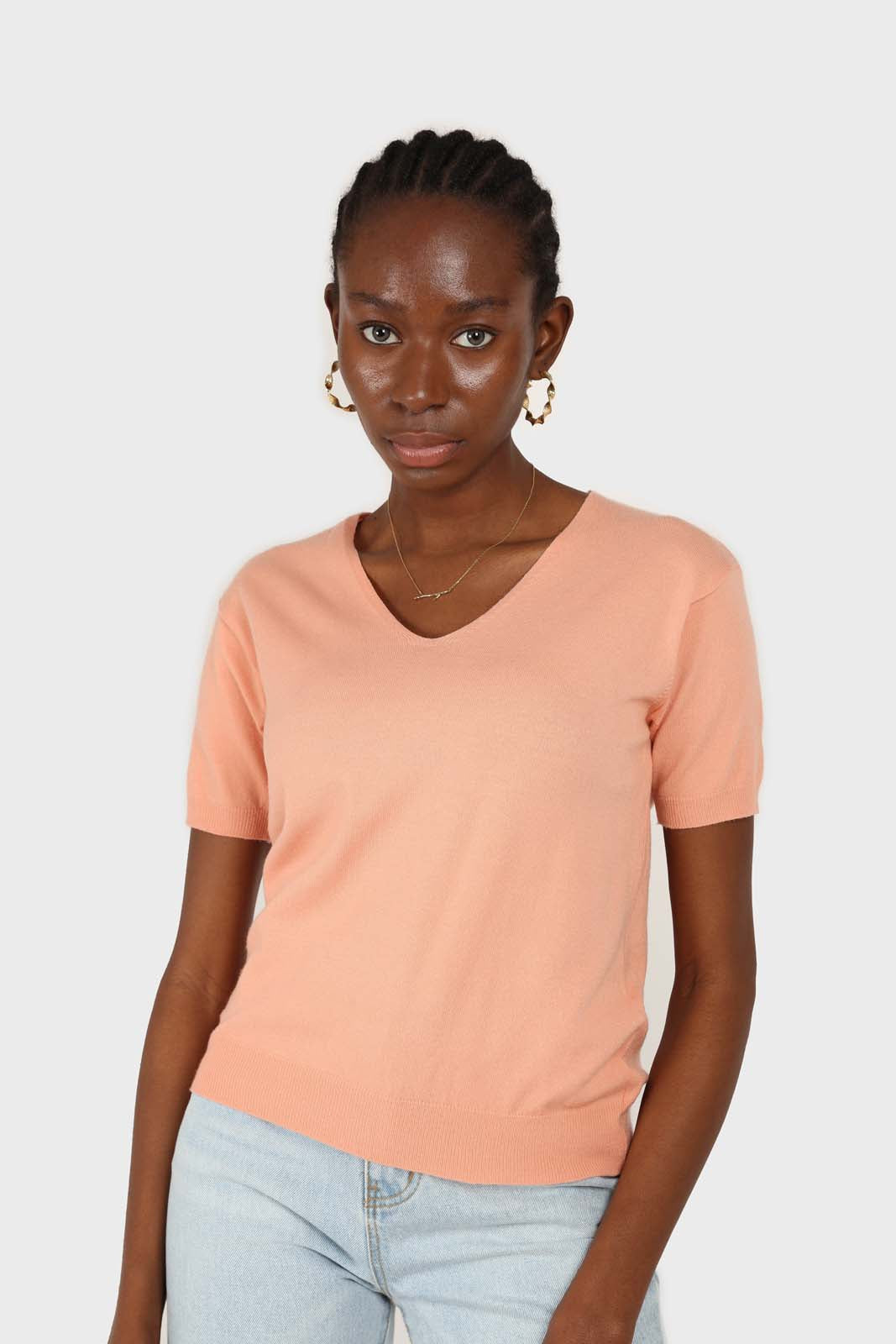 Pale orange V-neck short sleeved knit top2