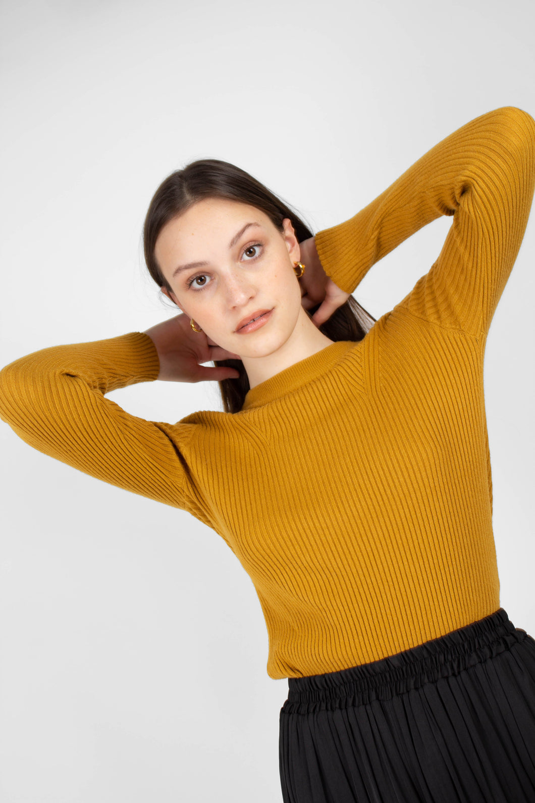 Mustard W ribbed long sleeved knit top