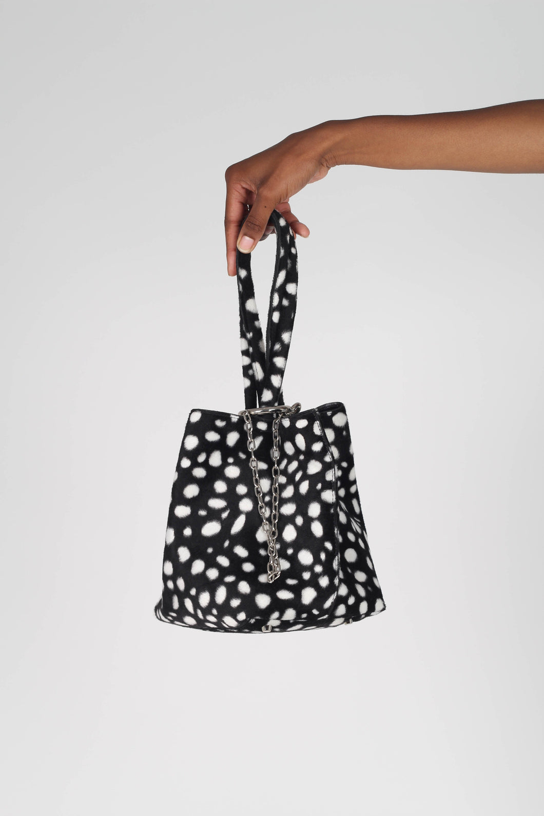 Black leopard print chain bucket bag1
