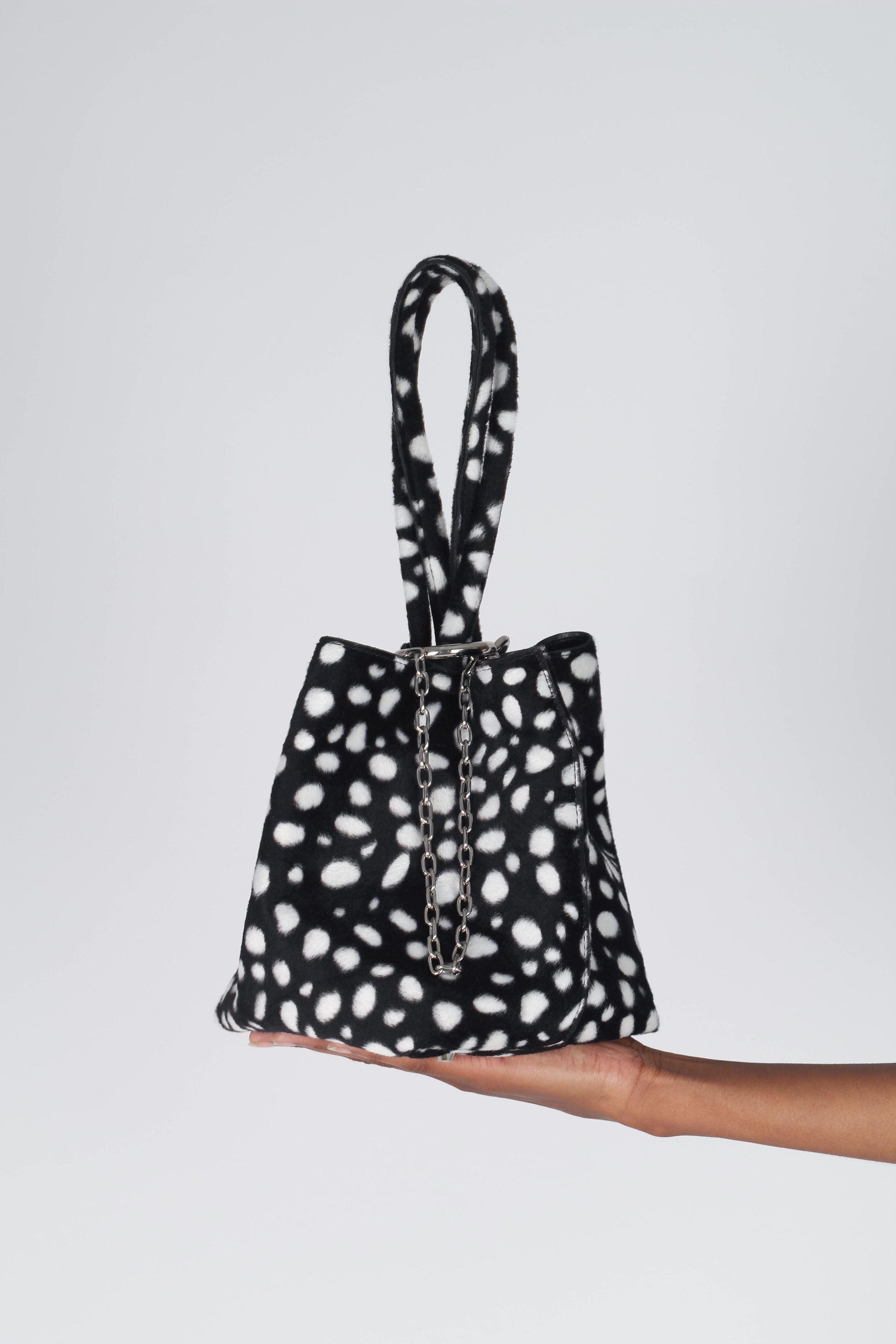Black leopard print chain bucket bag2