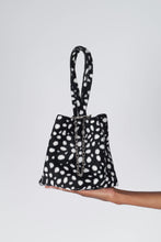 Load image into Gallery viewer, Black leopard print chain bucket bag2