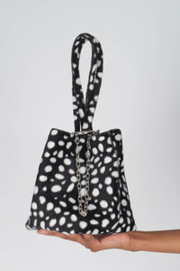 Black leopard print chain bucket bag3
