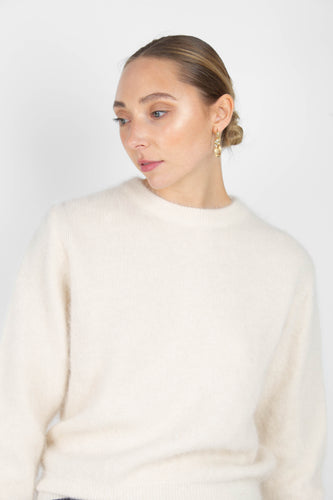 Light beige balloon sleeve angora jumper1sx