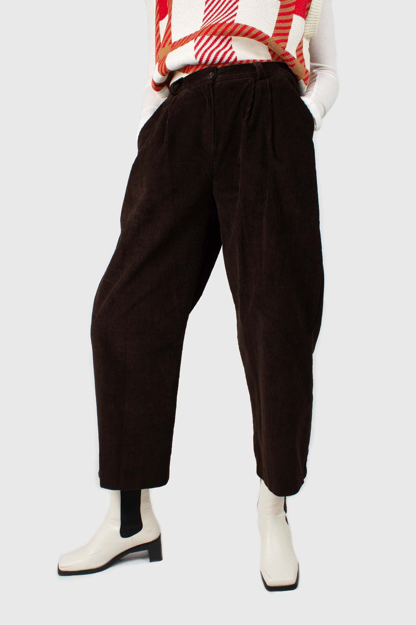 Dark brown wide leg corduroy trousers1
