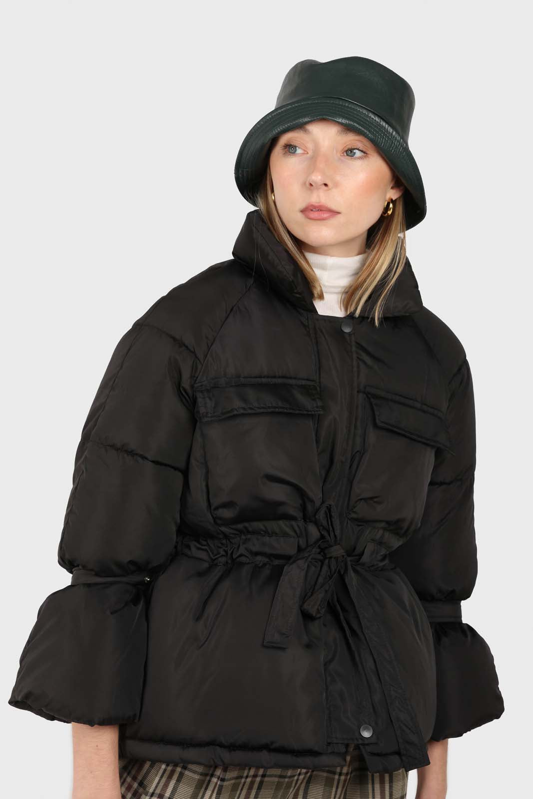 Black patch pocket tie waist puffer jacket2