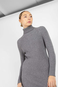 Grey turtleneck thick rib knit midi dress4