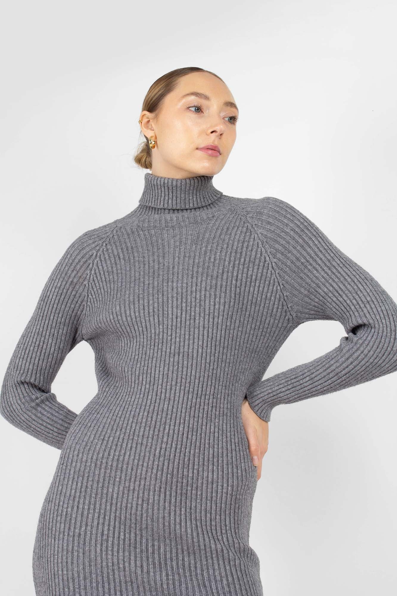 Grey turtleneck thick rib knit midi dress2