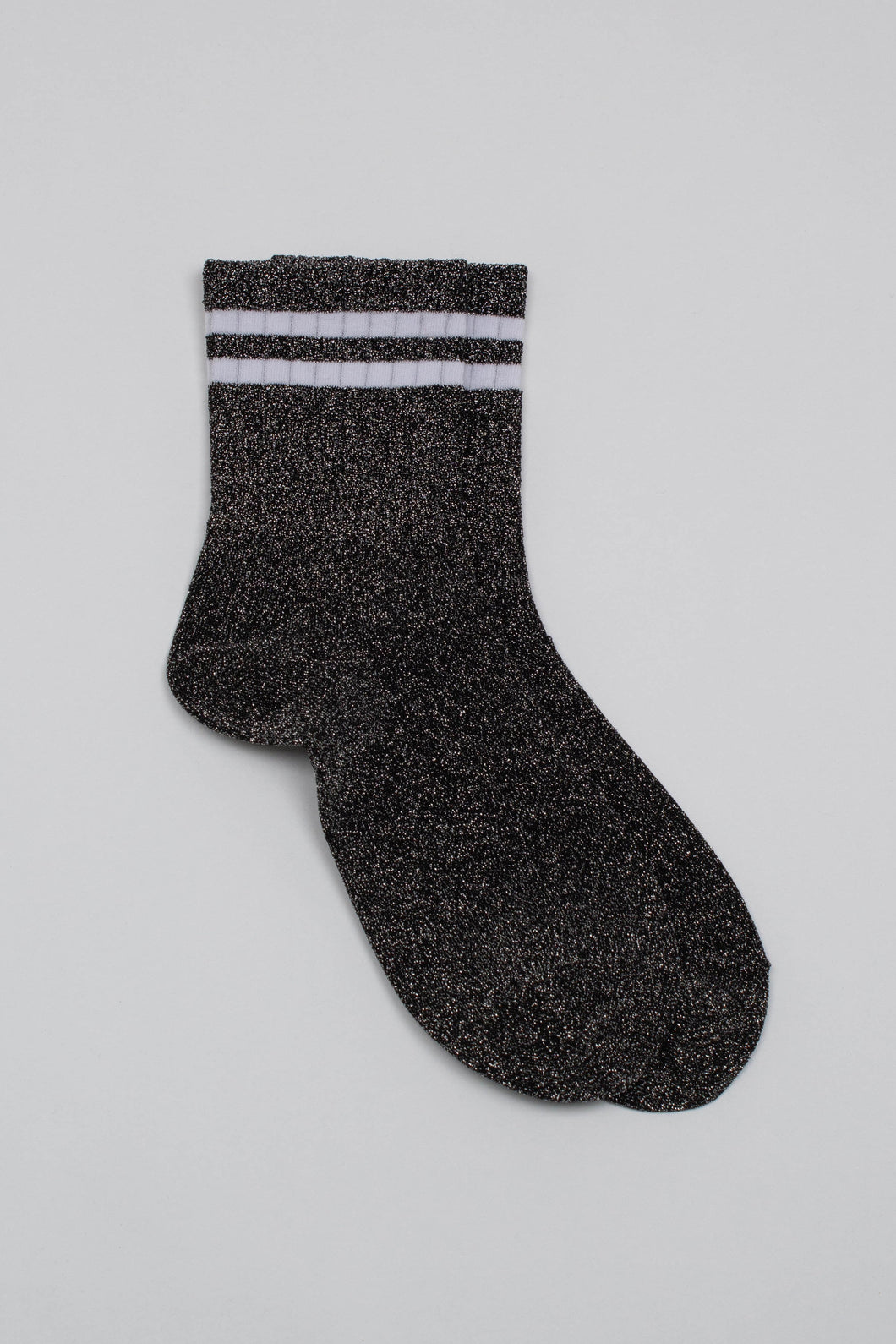 Dark silver metallic white varsity stripe socks_PFFBA2