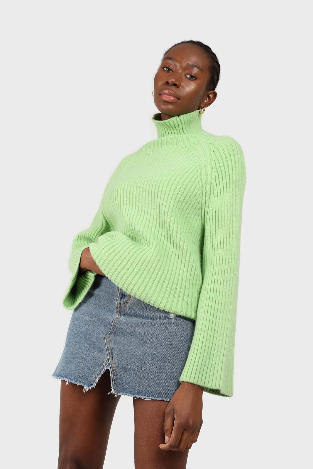 Bright green shaped thick rib turlteneck jumper2