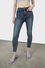 Load image into Gallery viewer, Mid blue skinny jeans-53542