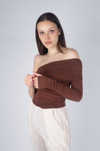 22211_Brown off shoulder long sleeve jersey top_MCSBA2