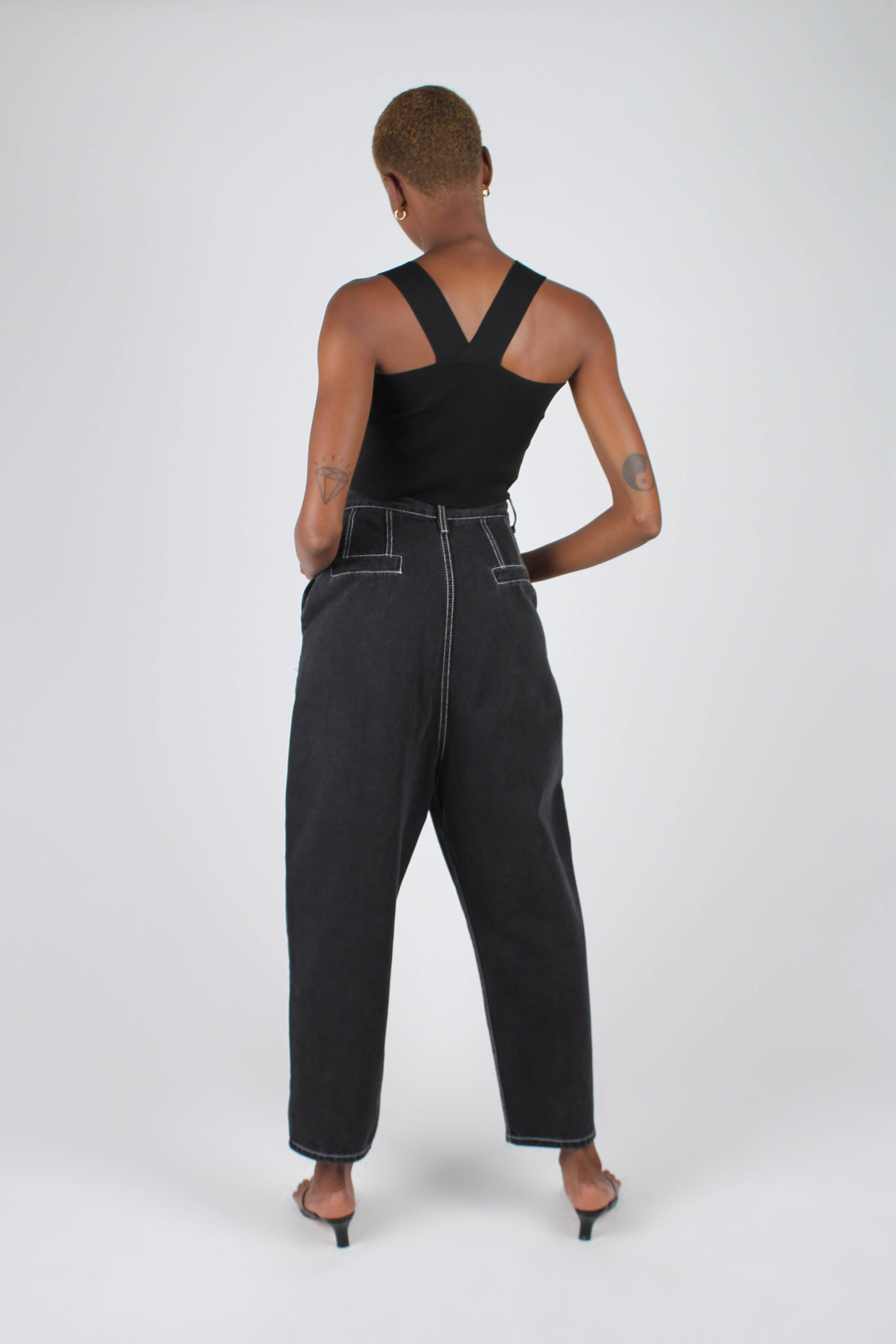 Washed black and white contrast stitch loose fit trousers2
