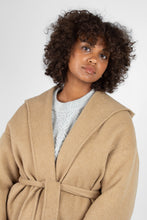 Load image into Gallery viewer, Camel wool handmade hooded long coat5