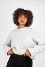 Load image into Gallery viewer, Grey thick wool cableknit jumper2