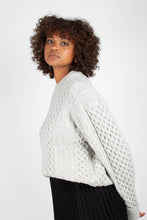 Load image into Gallery viewer, Grey thick wool cableknit jumper4