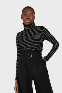 Black and white striped turtleneck long sleeved top1