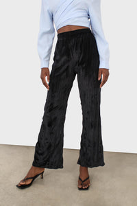 Black wrinkled loose fit trousers2