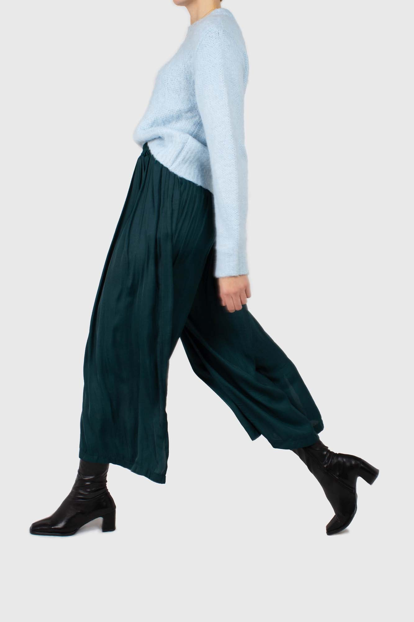 Green silky shirring loose fit trousers2