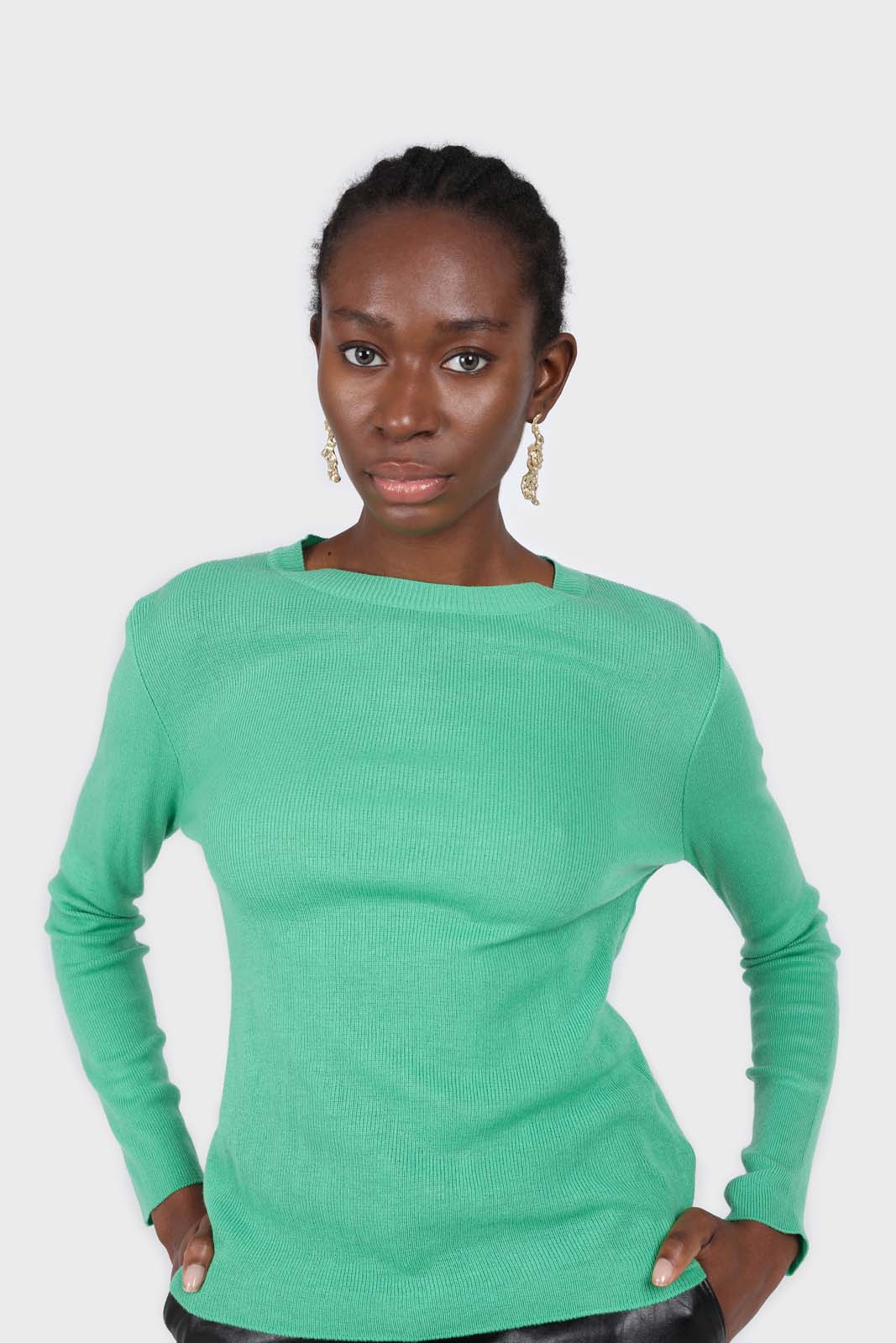 Green crew neck fitted long sleeved knit top2