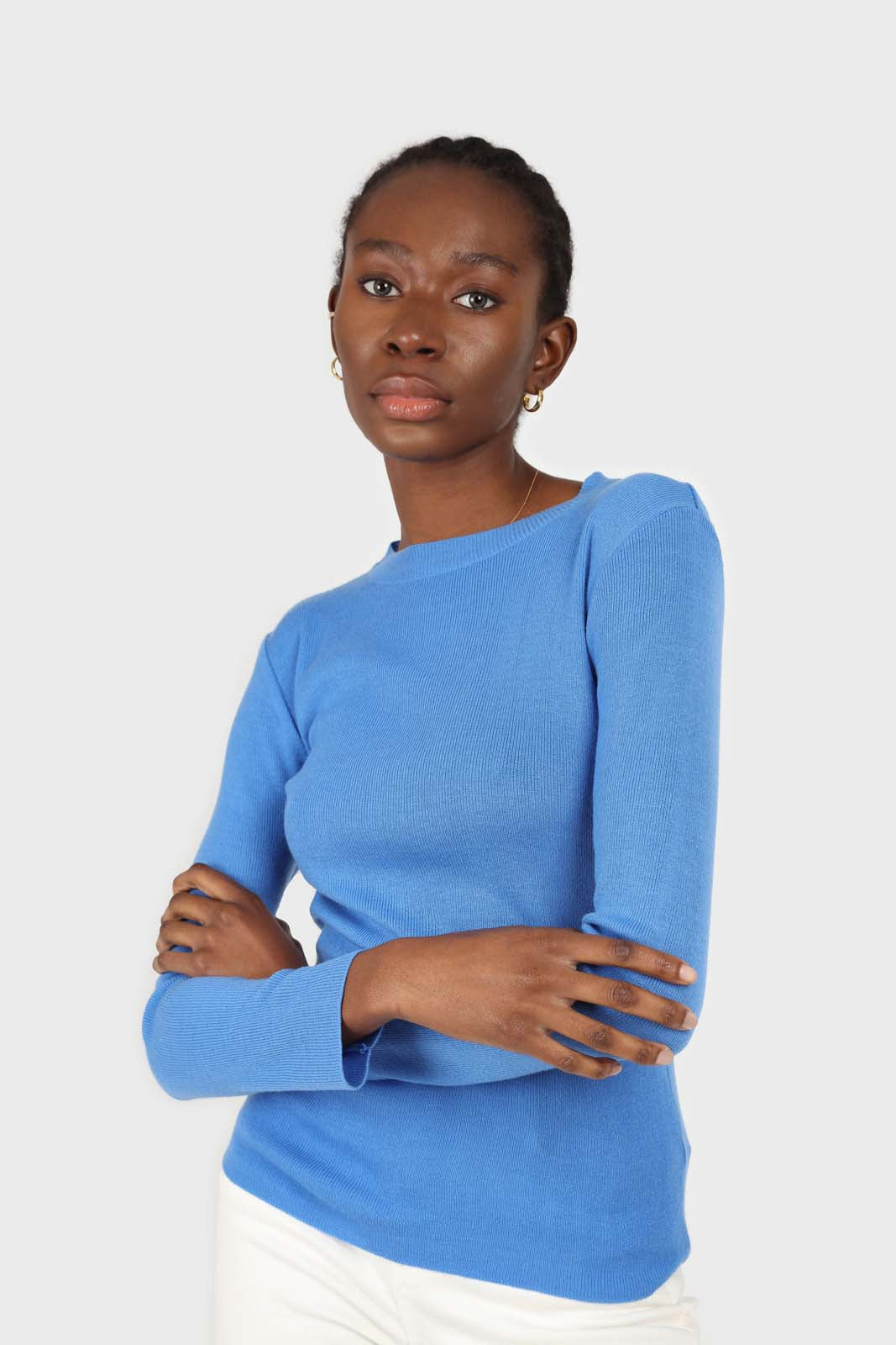 Blue crew neck fitted long sleeved knit top1sx